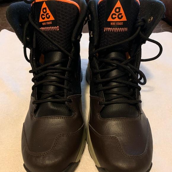 Men's NIKE ACG boots